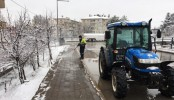 Belediye Ekipleri Buzlanmaya Karşı Solüsyon Uyguladı