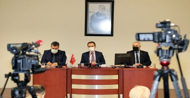 Valimiz Abdullah Ayaz, Basın Mensuplarına Açıklamalarda Bulundu