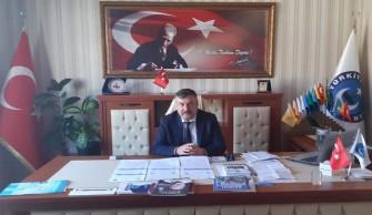 """Başkan Ayhan; """"23 Nisan saat 21.00 da balkonlarımızdan İstiklal Marşımızı okuyoruz."""""""